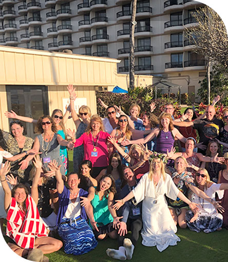 group shot of Life Transformed coaching retreat in Hawaii